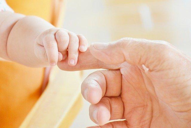 Co warto wiedzieć na temat zasiłku macierzyńskiego i porodowego w Holandii?